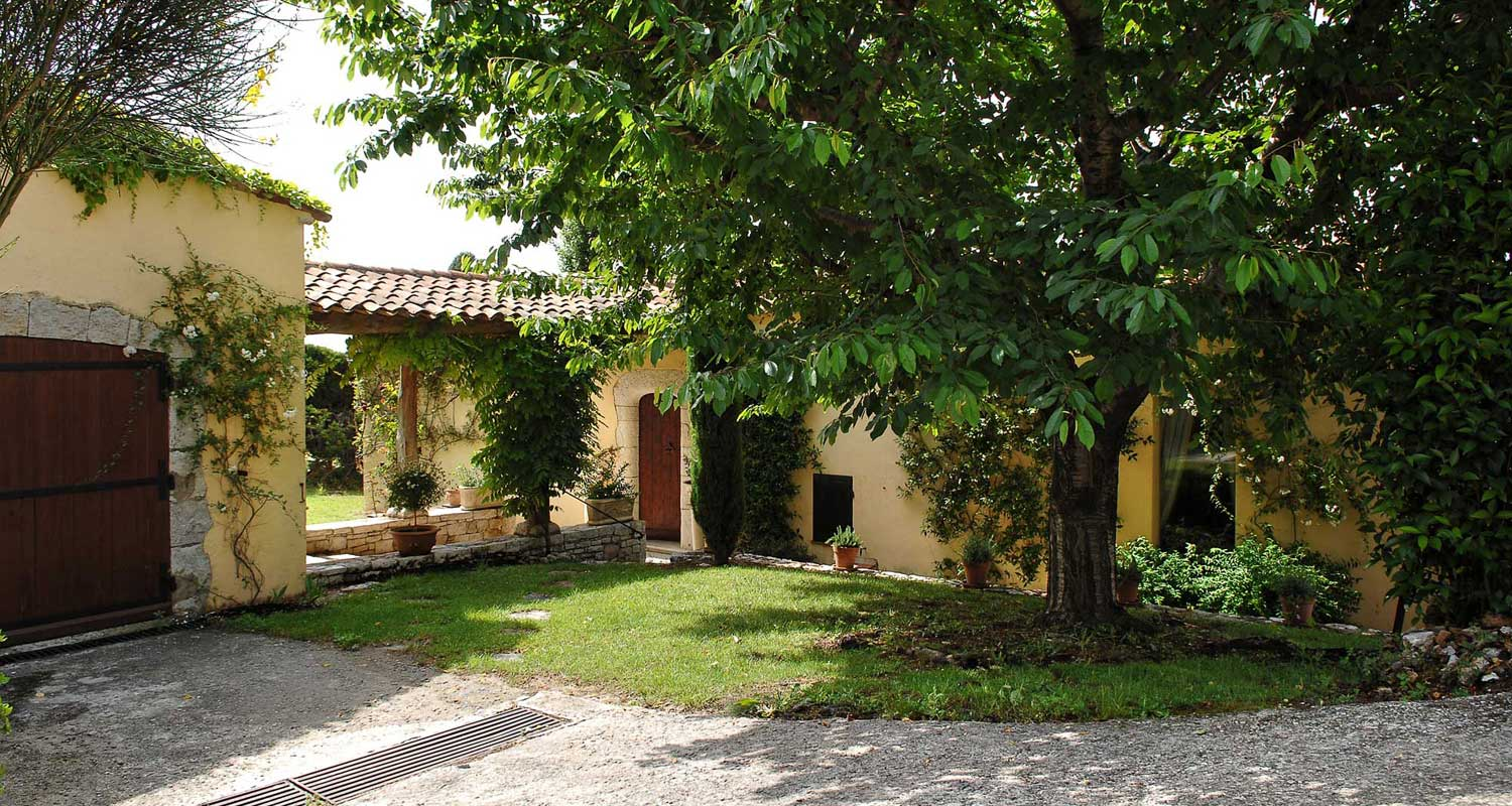 Villa Clara, Experience the real Cote d'Azur.
